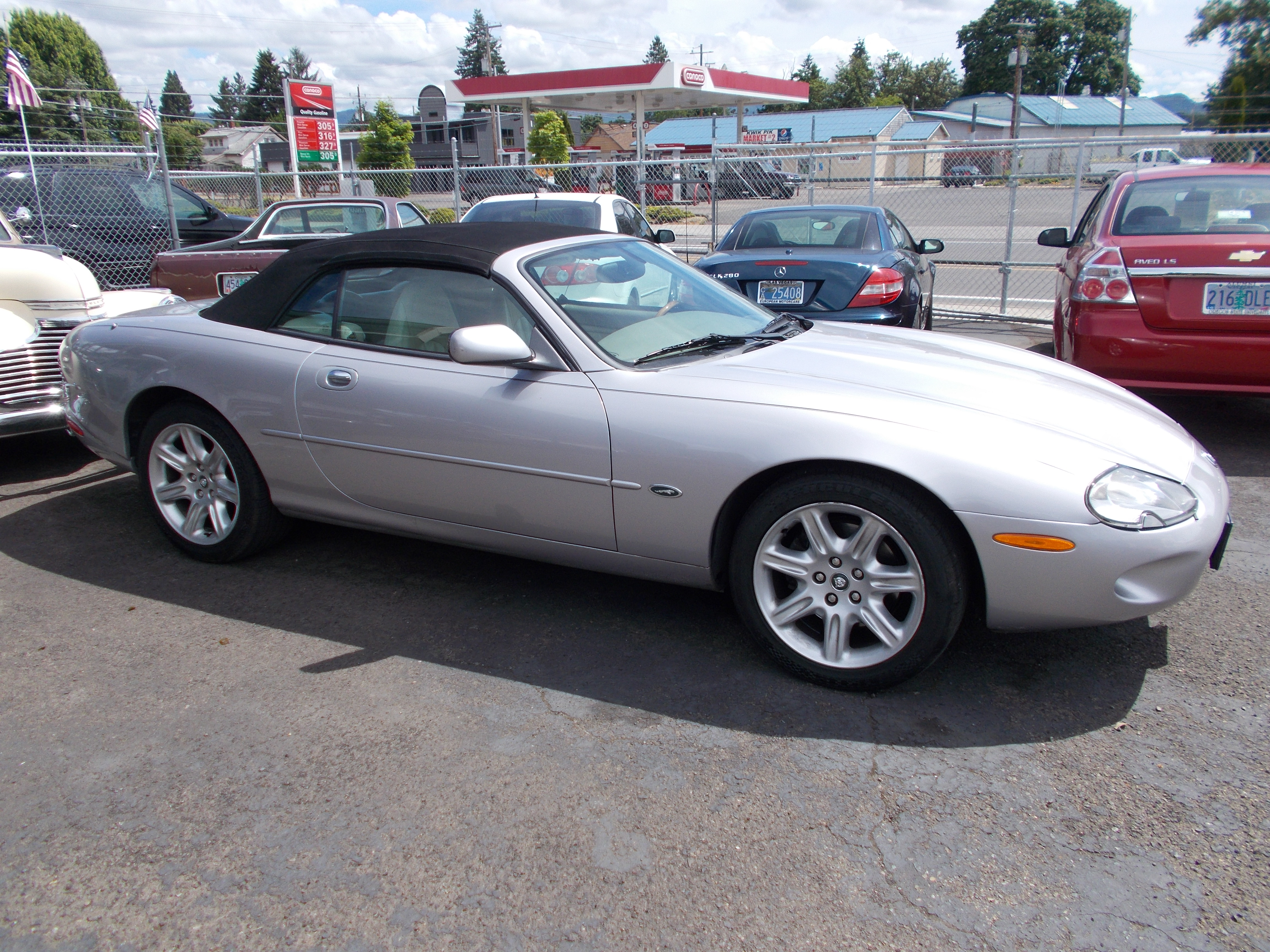 Index of /images/2000 jag conv XK8 silver